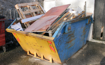 Skip with rubbish